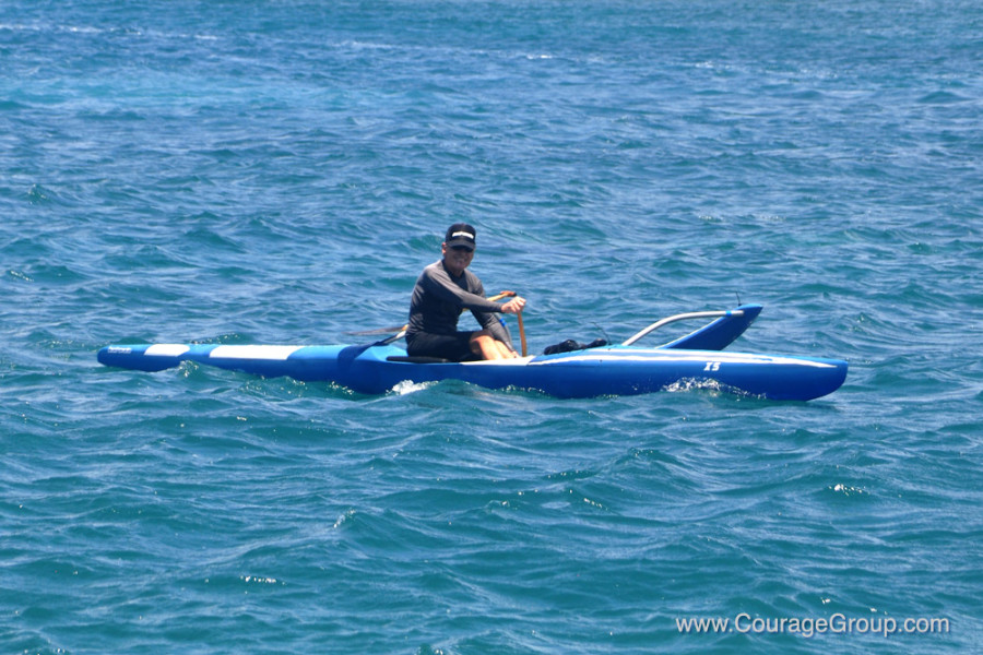 Tom Bartlett arriving during PaddleFest Kauai photo by Ray Gordon