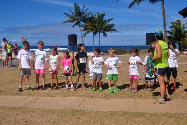 Top finishers in the keiki race. photo by Ray Gordon